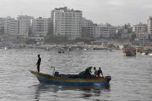 Gaza fishermen caught in middle of Israel-Palestinian sea feud