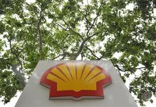 Logo da Shell fotografado em um posto de gasolina em Londres. 29/07/2010. REUTERS/Toby Melville