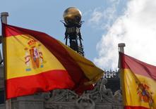 La dette publique de l'Espagne a augmenté de 10,3 milliards d'euros en juin, dépassant tout juste les 1.000 milliards d'euros, ce qui est sans précédent.  /Photo d'archives/REUTERS/Paul Hanna