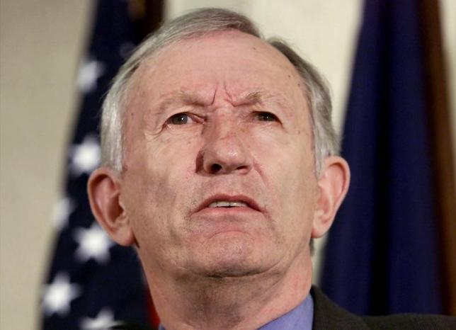 U.S. Senator James Jeffords of Vermont announces that he is leaving the Republican party to become an Independent, in this file photo dated May 24, 2001. REUTERS Photographer