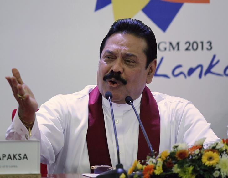 Sri Lanka's President Mahinda Rajapaksa speaks during a  pre-CHOGM (Commonwealth Heads of Government Meeting)  news conference in Colombo November 14, 2013. REUTERS/Dinuka Liyanawatte