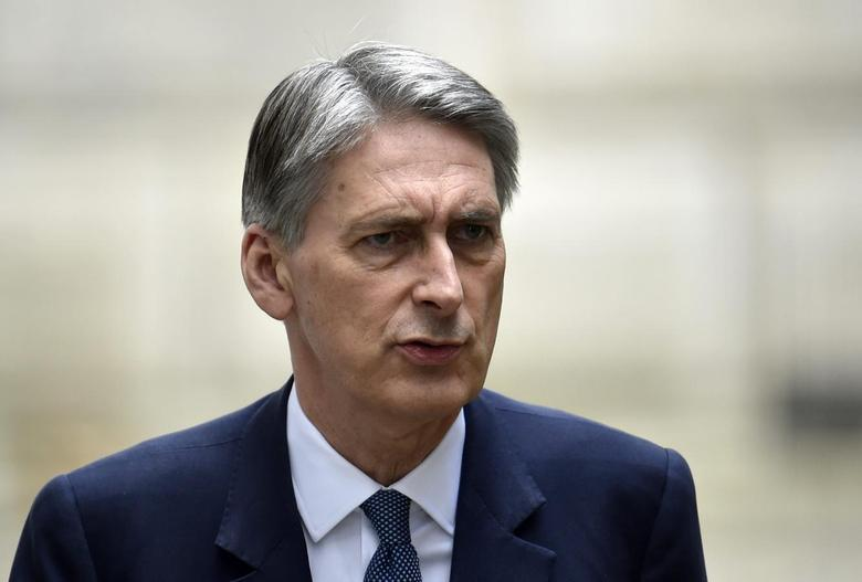 Britain's Foreign Secretary Philip Hammond arrives in Downing Street in central London August 20, 2014.    REUTERS/Toby Melville