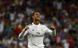 Cristiano Ronaldo comemora gol do Real contra o Córdoba nesta segunda-feira.   REUTERS/Sergio Perez
