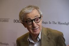 """O cineasta Woody Allen chega para a pré-estreia de seu filme """"Magia ao Luar"""", em Nova York, nos Estados Unidos, em julho. 17/07/2014 REUTERS/Lucas Jackson"""