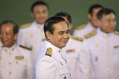 Thai cabinet meets king; doubt grows over power...