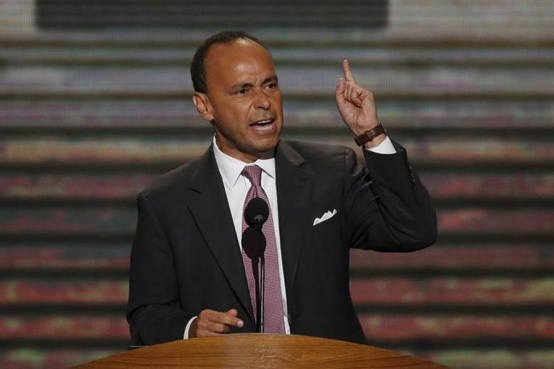 U.S. Rep. Luis Gutierrez (D-IL) addresses delegates during the second session of the Democratic National Convention in Charlotte, North Carolina, September 5, 2012.   REUTERS/Jason Reed