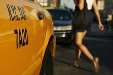 Porta de um táxi estacionado em região central de Nova York. 4/09/2007.  REUTERS/Lucas Jackson