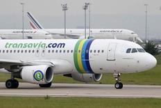 Air France-KLM prévoit d'investir un milliard d'euros dans le développement européen de sa filiale low cost Transavia. /Photo prise le 5 août 2014/REUTERS/Charles Platiau