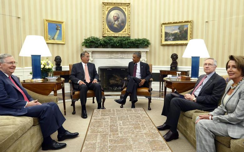 U.S. President Barack Obama meets with Congressional leaders in the Oval Office of the White House in Washington to discuss his plan to combat Islamic State militants operating in Iraq and Syria September 9, 2014. REUTERS/Kevin Lamarque