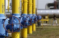 Газокомпрессорная станция в Словакии 2 сентября 2014 года. Польша в пятницу возобновила поставки газа на Украину, заручившись обещанием Газпрома поставлять согласованные объемы польской PGNiG. REUTERS/David W Cerny