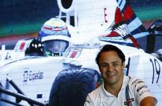 Piloto da Williams Felipe Massa durante enconto com fãs em evento promovido pela Reuters em Cingapura. 17/09/2014 REUTERS/Edgar Su