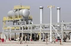 Una vista general de la planta de petróleo Halfaya en Amara, al sureste de Baghdad. Imagen de archivo, 06 septiembre, 2014. La falta de agua amenaza los planes de Irak para elevar su producción de petróleo, impulsar a su atribulada economía y convertirse en un productor líder en la región detrás de Arabia Saudita. REUTERS/Essam Al-Sudani