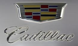 Cadillac, la marque de General Motors qui dominait jadis le segment haut de gamme aux Etats-Unis, a annoncé vendredi le lancement d'un nouveau modèle de prestige dont la production devrait débuter fin 2015. /Photo d'archives/REUTERS/Carlo Allegri