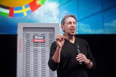 Oracle Corp Chief Executive Larry Ellison introduces the Oracle Database In-Memory during a launch event at the company's headquarters in Redwood Shores, California June 10, 2014.   REUTERS/Noah Berger