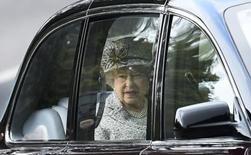 Rainha Elizabeth chega a Crathie Kirk para cerimônia em igreja no norte da Escócia.  21/9/2014  REUTERS/Dylan Martinez