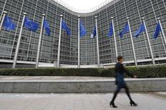 La Commission européenne a ordonné jeudi à l'Allemagne de mettre un terme à l'usage d'un réfrigérant automobile interdit dans les deux mois faute de quoi elle s'exposerait à des poursuites, voire à des amendes. Ce produit est notamment utilisé par le groupe Daimler. /Photo d'archives/REUTERS/Yves Herman