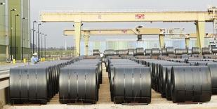 Комбинат ThyssenKrupp Steel USA в Кэлверте, Алабама, 22 ноября 2013 года. Evraz North America, североамериканский дивизион крупнейшего в РФ производителя стали Евраза, ориентируется на привлечение порядка $400 миллионов в ходе предстоящего IPO, сказали Рейтер два источника в банковских кругах. REUTERS/Lyle Ratliff
