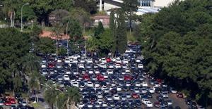 As exportações de automóveis do Brasil recuaram 52,6 por cento em setembro na comparação com igual etapa em 2013. REUTERS/Paulo Whitaker (BRAZIL - Tags: TRANSPORT BUSINESS)