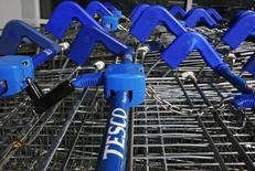 Shopping trolleys are seen at a Tesco Express in southwest London September 22, 2014. REUTERS/Luke MacGregor