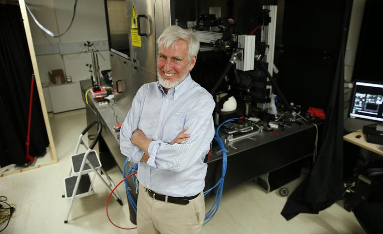 Professor John O'Keefe poses in his laboratory at University College London (UCL), in London October 6, 2014.  REUTERS/Suzanne Plunkett
