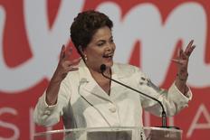 Presidente e candidata àreeleição Dilma Rousseff (PT) durante pronunciamento em Brasília. 05/10/2014 REUTERS/Ueslei Marcelino