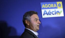 Candidato à Presidência pelo PSDB, Aécio Neves, chega para entrevista coletiva em São Paulo. 06/10/2014. REUTERS/Nacho Doce