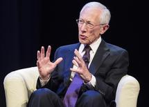 U.S. Federal Reserve Vice Chair Stanley Fischer participates in a discussion on the global economy during the World Bank/IMF Annual Meeting in Washington October 9, 2014. REUTERS/Joshua Roberts