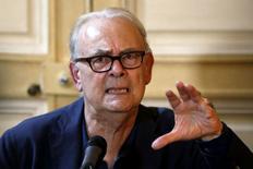 O escritor francês Patrick Modiano concede entrevista coletiva em Paris, na França, nesta quinta-feira. 09/10/2014 REUTERS/Charles Platiau