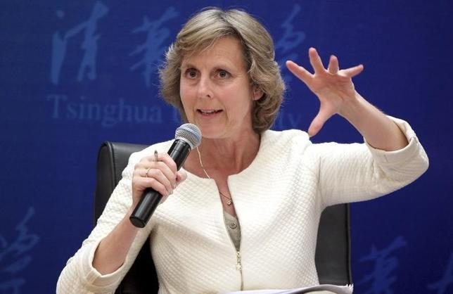 European Commissioner for Climate Action Connie Hedegaard gestures as she gives a lecture in Tsinghua University in Beijing, April 23, 2014.REUTERS/China Daily