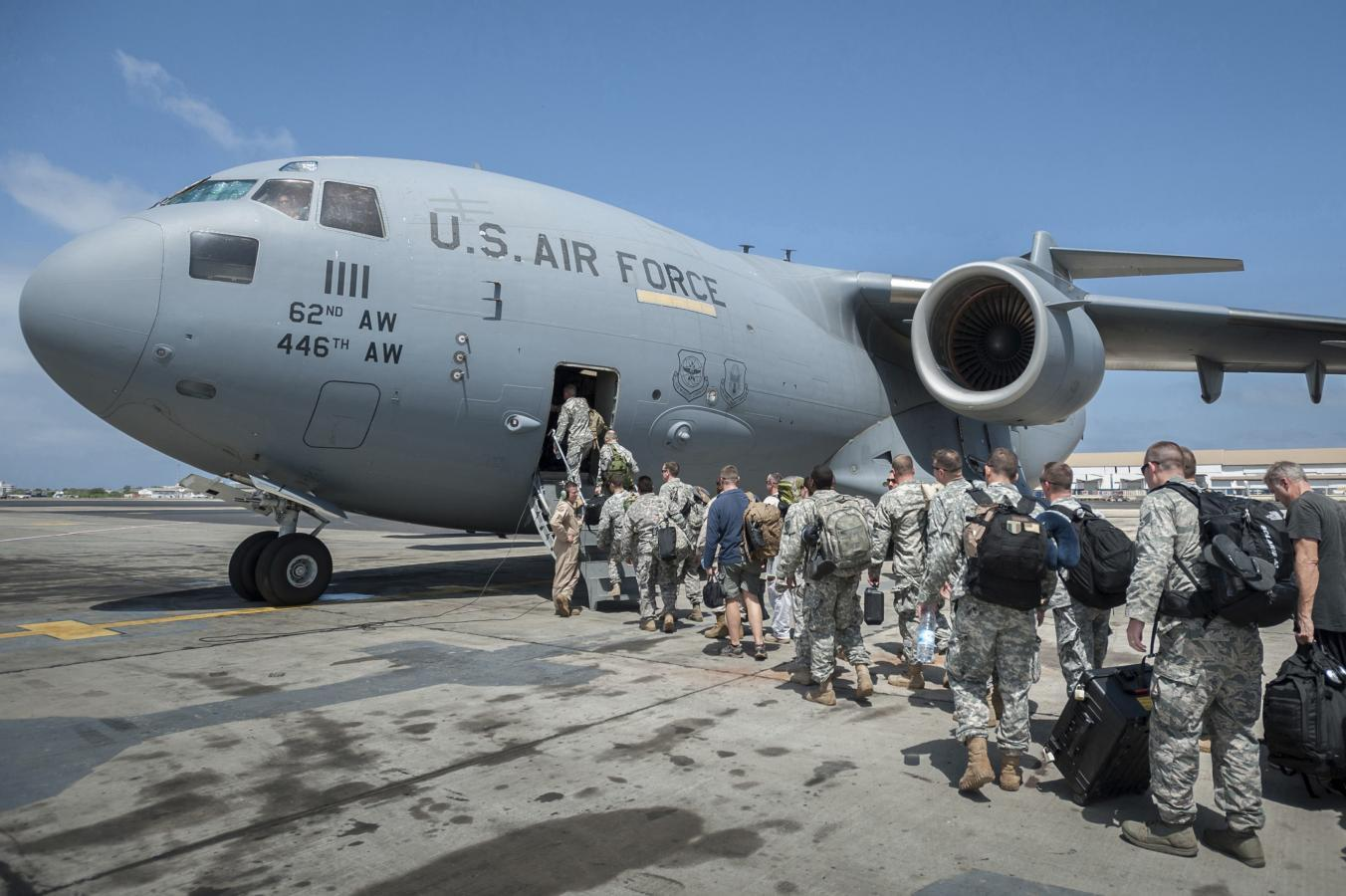 Using military and new protocols, U.S. ramps up Ebola response