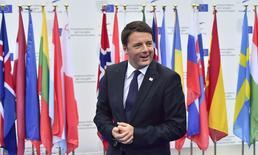 Le président du Conseil italien, Matteo Renzi. La Commission européenne a demandé à l'Italie d'expliquer les raisons qui ont conduit le pays à ne pas respecter les objectifs de réduction des déficits dans son projet de budget 2015. /Photo prise le 8 octobre 2014/REUTERS
