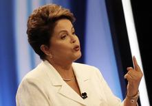 Presidente Dilma Rousseff, candidata à reeleição pelo PT, durante debate na TV Record, em São Paulo. 19/10/2014.  REUTERS/Nacho Doce