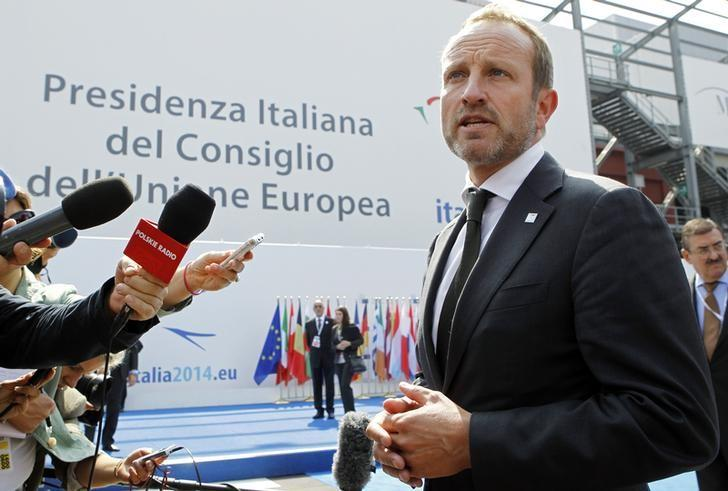 Denmark's Foreign Minister Martin Lidegaard speaks to journalists as he arrives for an informal meeting of the EU Foreign Affairs Ministers in Milan August 29, 2014.  REUTERS/Alessandro Garofalo