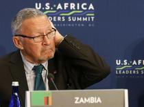 """Архивная фотография Гая Скотта, сделанная в Вашингтоне 6 августа 2014 года. Гай Скотт из Замбии в среду стал первым за 20 лет белым главой африканского государства, возглавив страну после смерти 77-летнего """"Короля Кобры"""" Майкла Саты. REUTERS/Larry Downing/Files"""