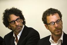 Cineastas norte-americanos Joel e Ethan Coen em foto de arquivo em Tel Aviv. 15/05/2011 REUTERS/Amir Cohen