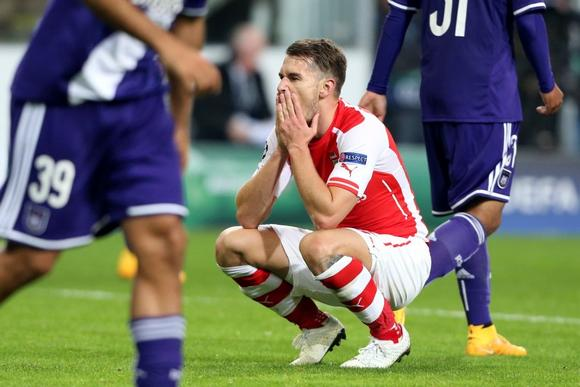 Arsenal's Aaron Ramsey reacts during their Champions League Group D soccer match against Anderlecht at Constant Vanden Stock stadium in Brussels October 22, 2014.   REUTERS/Francois Lenoir