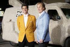 """Os atores Jim Carrey (esquerda) e Jeff Daniels chegam à estreia mundial de """"Debi e Lóide 2"""" em Los Angeles, nos Estados Unidos, na semana passada. 03/11/2014 REUTERS/Danny Moloshok"""