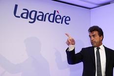 """Lagardère, le groupe de médias dirigé par Arnaud Lagardère, a confirmé son objectif de résultat opérationnel pour 2014 après avoir enregistré au troisième trimestre un chiffre d'affaires conforme aux attentes, porté par le dynamisme du """"travel retail"""". /Photo d'archives/REUTERS/Benoît Tessier"""