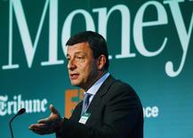 Управляющий директор Saras Дарио Скаффарди на конференции Oil & Money в Лондоне 2 октября 2013 года. Итальянский нефтепереработчик Saras не отказывается от совместных проектов с Роснефтью, хотя западные санкции против России затрудняют их осуществление. REUTERS/Luke MacGregor