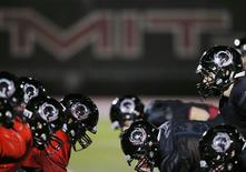 Massachusetts Institute of Technology (MIT) Engineers football players attend practice in Cambridge, Massachusetts November 13, 2014.  REUTERS/Brian Snyder