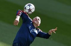 Meia do Bayern Bastian Schweinsteiger durante treino da equipe, em foto de arquivo. 22/04/2014 REUTERS/Michael Dalder