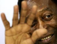 Foto de arquivo de Pelé, em São Paulo. 23/05/2014 REUTERS/Paulo Whitaker