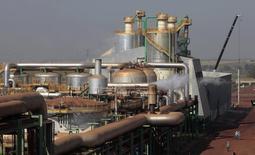 Usina de processamento de cana-de-açúcar em Valparaíso. 19/09/2014 REUTERS/Paulo Whitaker