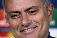 Técnico José Mourinho durante entrevista em Cobham, sul da Inglaterra. 9/12/2014 REUTERS/Stefan Wermuth