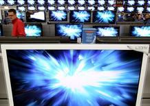 Les discussions visant à réduire les droits de douane sur des centaines de produits de haute technologie n'ont pas permis d'aboutir à un accord à l'Organisation mondiale du commerce (OMC), notamment en raison du différend entre la Chine et la Corée du Sud sur les écrans à cristaux liquides LCD. /Photo d'archives/REUTERS/Arnd Wiegmann