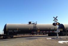 Состав Canadian Pacific в Эндерлине, Северная Дакота 14 ноября 2014 года. Цены на нефть Brent впервые с 2009 года приблизились к $59 за баррель на фоне снижения активности в производственном секторе Китая в декабре и ослабления валют развивающихся стран. REUTERS/Ernest Scheyder