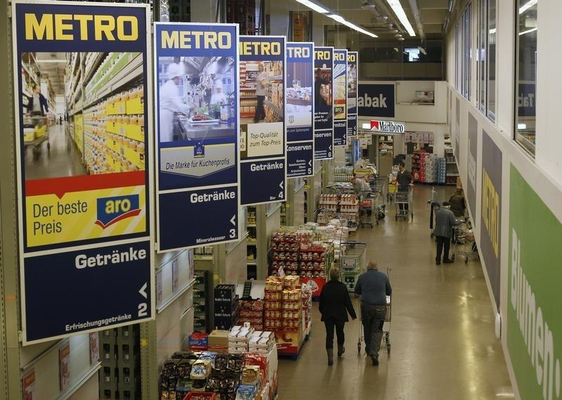 Metro Christmas trading gains pace after slow start