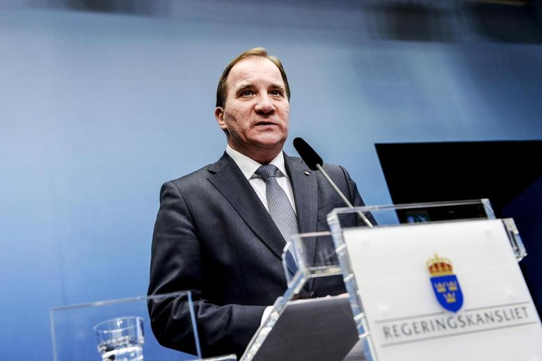 Sweden's Prime Minister Stefan Lofven speaks during a news conference at the Chancellery in Stockholm December 2, 2014.  REUTERS/Pontus Lundahl/TT News Agency