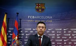 Presidente do Barcelona, Josep Maria Bartomeu, participa de entrevista no estádio Camp Nou. 7/1/2015 REUTERS/Albert Gea