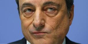 Predidente do BCE, Mario Draghi, em entrevista coletiva em Frankfurt. 04/12/2014 REUTERS/Ralph Orlowski